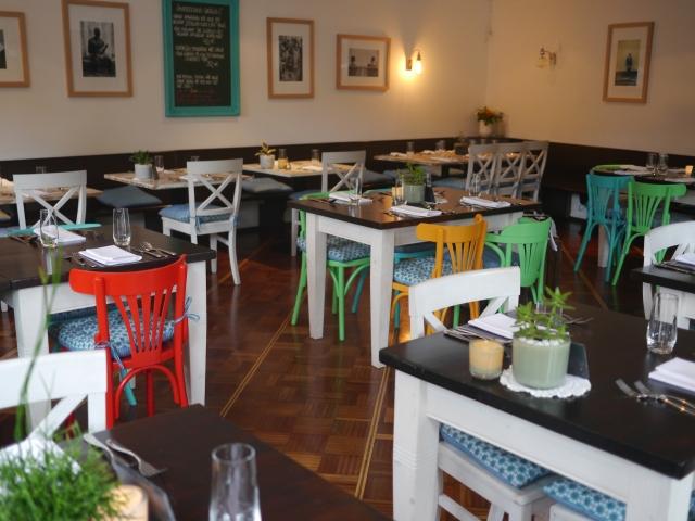 Restaurant-Tipp: Bunte Inneneinrichtung im Rotkehlchen in Münster