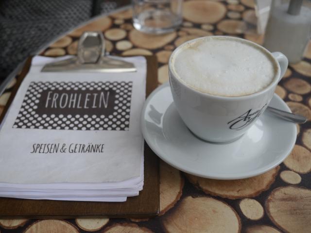 Leckerer Kaffee und eine umfassende Speisekarte im Café Frohsein am Mühlenkamp in Hamburg Winterhude