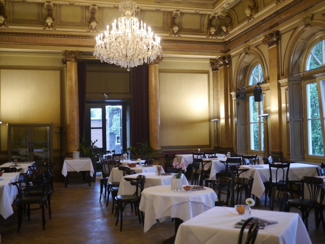 Das Café im Literaturhaus - schön zum Frühstücken, Kuchen essen oder als Hochzeitslocation