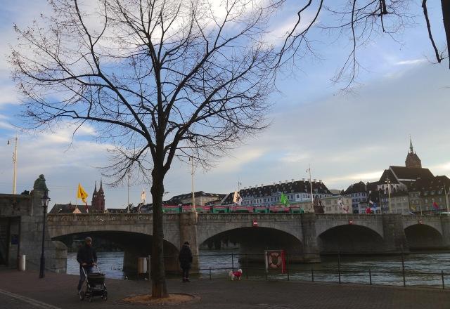 Basel am Rheinufer