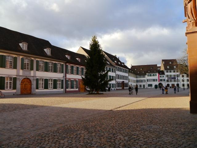 Basel_Platz vor dem Baseler Münster