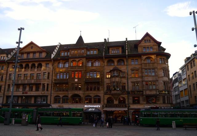 Basel Tipps: Die Konfisserie Schiesser am Rathaus