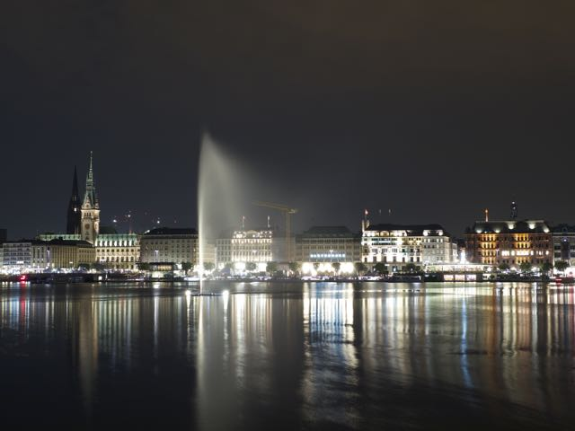 Hamburg Alster bei Nacht