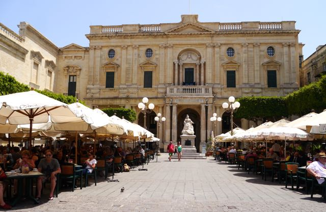 Valletta Tipps Café