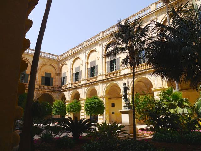 Valletta Tipps Palast1