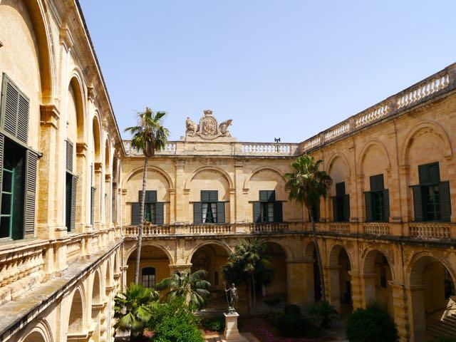 Valletta Tipps Palast2